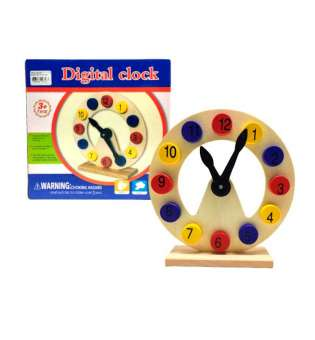 Годинник дерев'яний на підставці